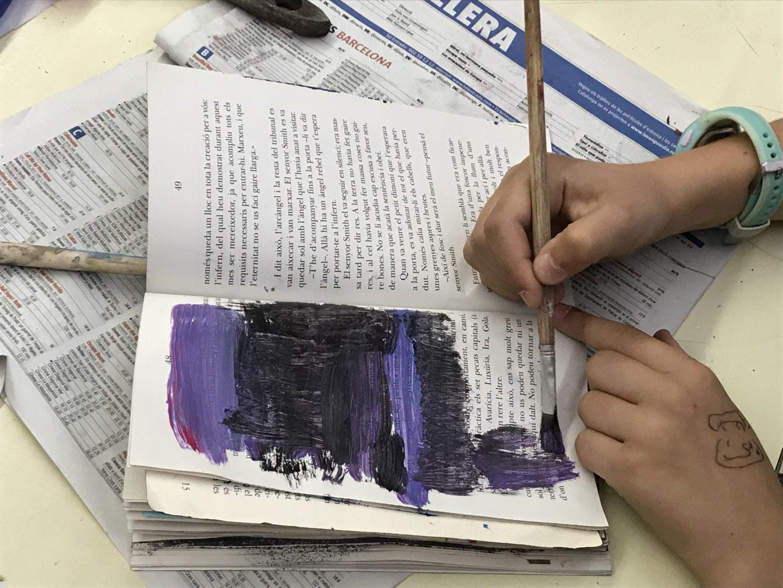 Reciclatge creatiu de llibres al voltant de les festes de Sant Jordi