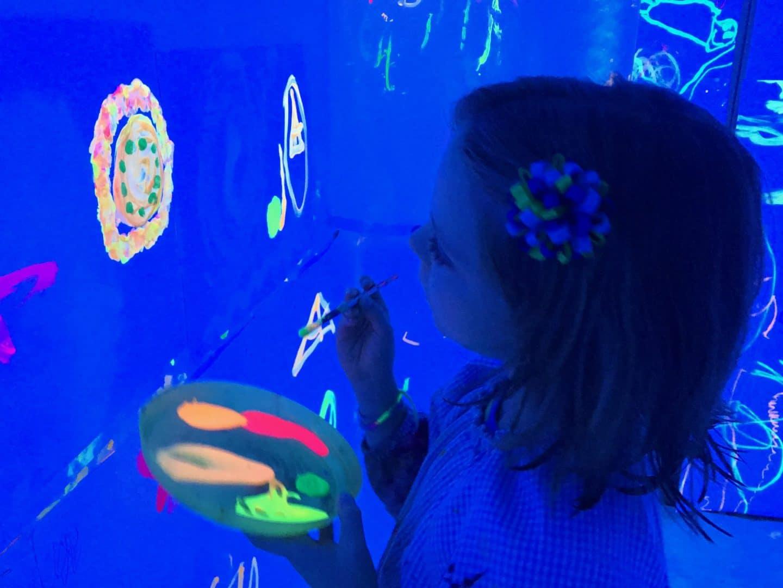 Pintura fluorescent al taller